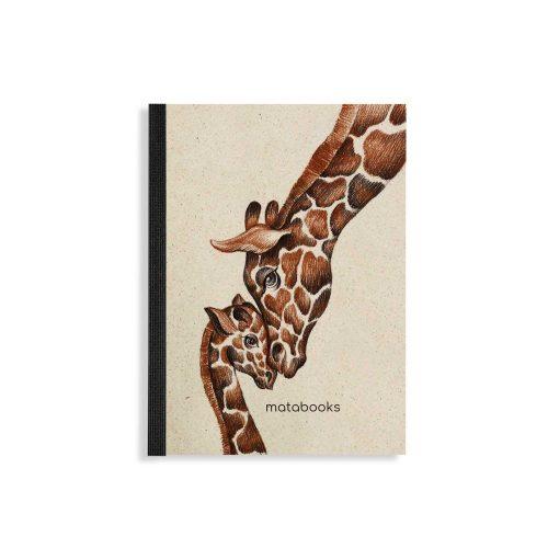 """Notizbuch Dahara """"Giraffes Love"""" aus Graspapier von Matabooks"""