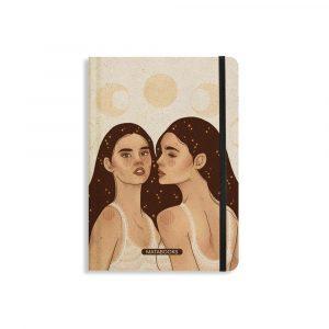 Nachhaltiges Notizbuch A5 aus Graspapier Nari Universe Sisters von Matabooks